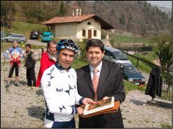 Consegna del libro a Cassani