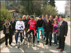 Foto di gruppo con Cassani e Gotti